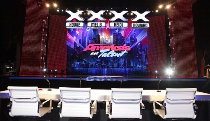 americas-got-talent-auditions-houston-2014-reliant-center-700x406
