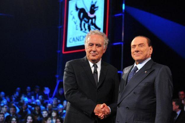 MICHELE SANTORO CONDANNATO PER DIFFAMAZIONE <br>PERDE LA CAUSA CON MEDIASET ED ORA DOVRÀ RISARCIRE TRENTAMILA EURO Michele-Santoro-e-Silvio-Berlusconi-a-Servizio-Pubblico