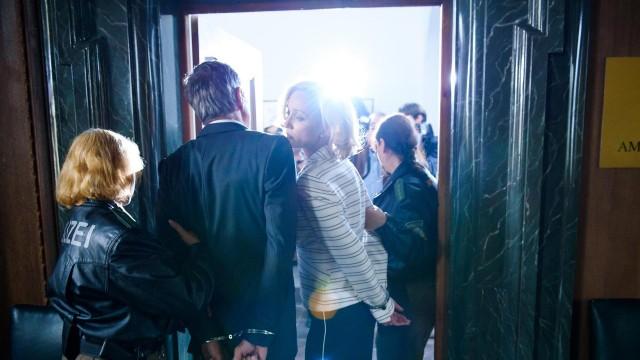 TEMPESTA D'AMORE | ANTICIPAZIONI TRAME DAL 6 AL 12 MARZO 2016 | FRIEDRICH FINISCE IN TRIBUNALE PER UNA QUESTIONE DI SOLDI, MA VIENE FUORI LA STORIA DELLA MORTE DI ALINA E...