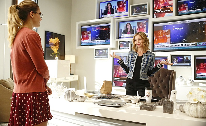 """Fight or Flight"" -- Cat plans to run an exposé on Supergirl, on SUPERGIRL, Monday, Nov. 9 (8:00-9:00 PM, ET/PT) on the CBS Television Network. Pictured left to right: Melissa Benoist and Calista Flockhart Photo: Trae Patton/CBS ©2015 CBS Broadcasting, Inc. All Rights Reserved"