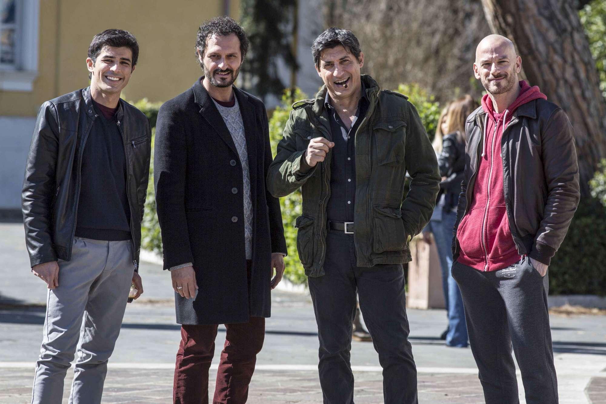 AMORE PENSACI TU SECONDA PUNTATA CANALE 5