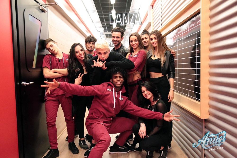 AMICI17 LIVE OTTAVO APPUNTAMENTO SU CANALE 5