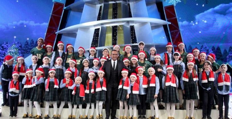 Auguri Di Buon Natale Zecchino Doro.Lo Zecchino Sotto L Albero Venerdi Il Gala Di Natale Con