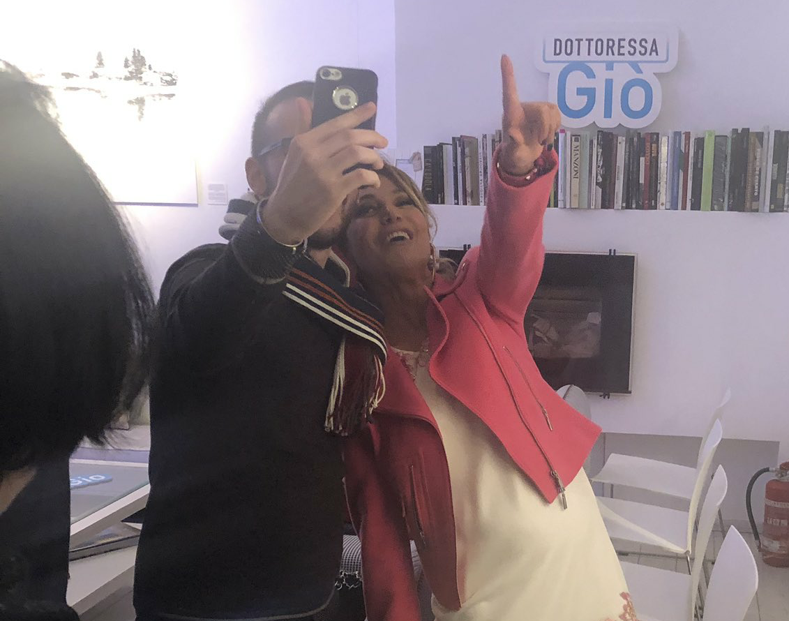 BUBINOBLOG ALLA FESTA DELLA DOTTORESSAGIÒ IL VIDEO-SALUTO DI BARBARA D'URSO